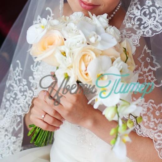 Каскадный букет невесты из орхидей. Купить свадебный букет из